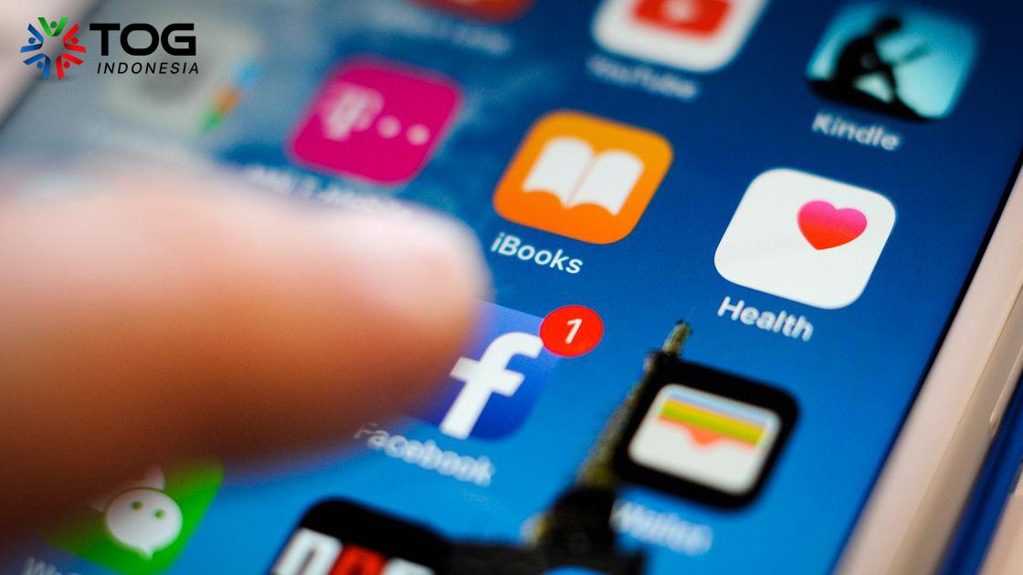 Bos Ingin Jadi Teman di Social Media? Terima atau Tolak